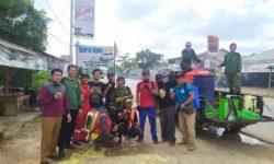 Aksi Peduli Memutus Rantai Covid -19,Warga Simpang Pinoh Semprotkan Desinfektan