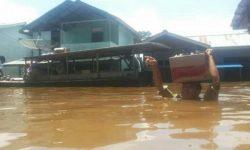 Bupati Sintang Kerahkan Tim Siaga Ke Lokasi Musibah Banjir Kecamatan Serawai-Ambalau