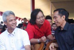Sempat Bahas Politik Bersama Jokowi, Ganjar Lapor Jateng 'Merah Semua'