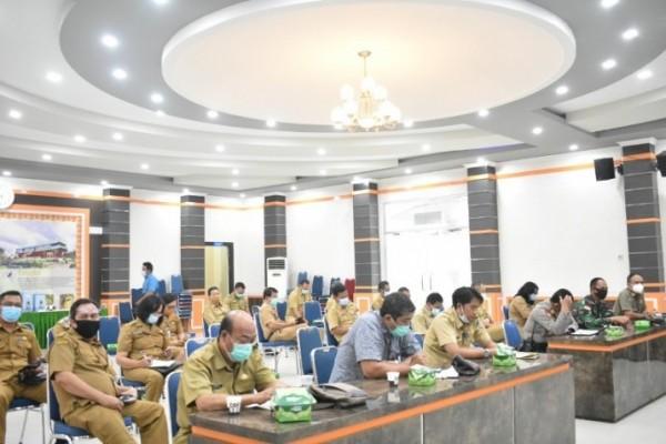 Rapat Evaluasi di Balai Praja Di Gelar Tim Satgas Covid-19 Kabupaten Sintang